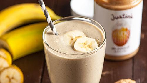 Receita-de-smoothie-de-banana-e-manteiga-de-amendoim-500x282